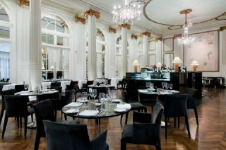 Restaurant Homage, The Waldorf Hilton